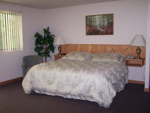 King Size Bedroom - Beach Motel in Bandon OR