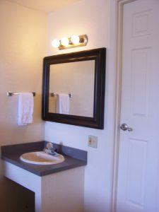 Single Queen Room Vanity